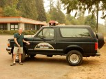 There's a freakin' Twin Peaks Bronco there!!!!