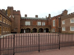 St James Palace - Closed today! FEH
