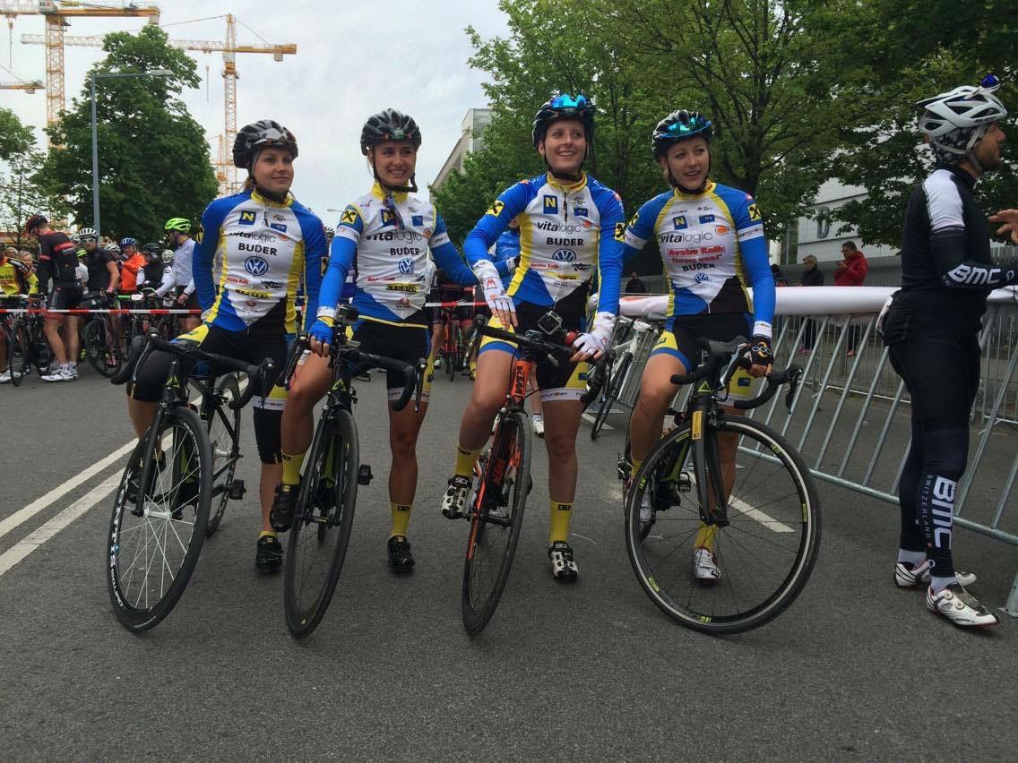 Vier Vitalogic-Fahrerinnen am Start des Gran Fondo Vienna 2016