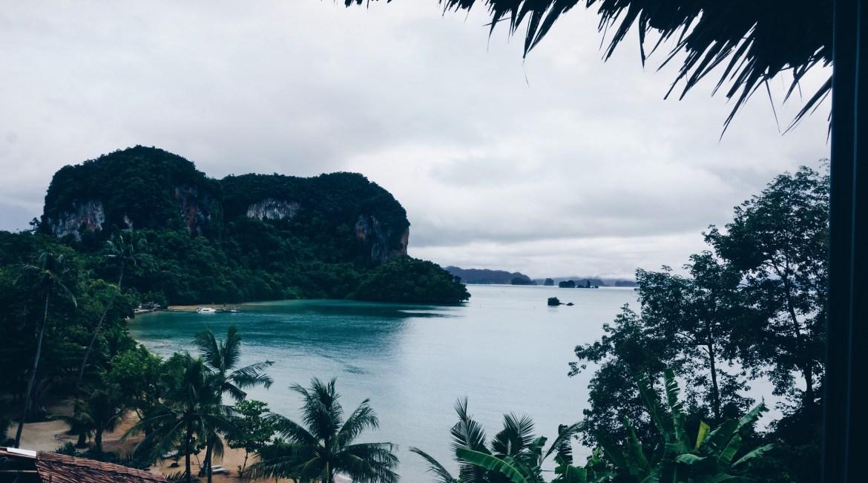 Traumhotel in Thailand, Blick auf das Meer