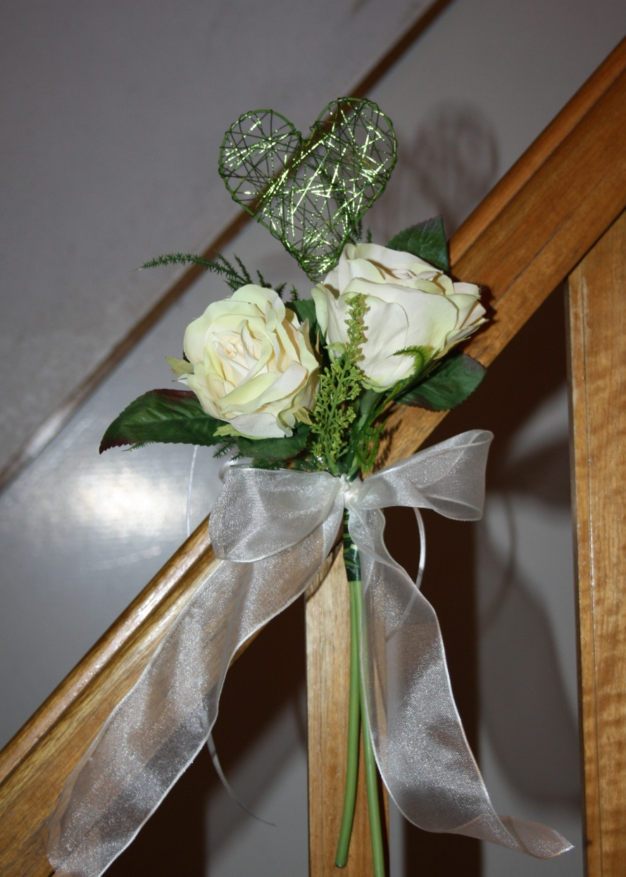 Bankdeko Rosen Mit Herz Hochzeitsdekorationen