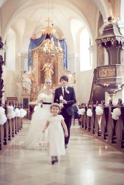 Hochzeit in Schloss Halbturn Black & White Wedding | www.hochzeitshummel.at | photo: Budiono