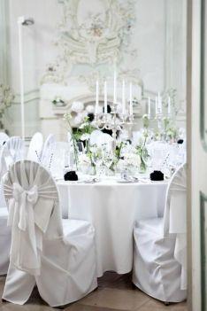 Hochzeit Schloss Halbturn Black & White Wedding | www.hochzeitshummel.at | photo: Budiono