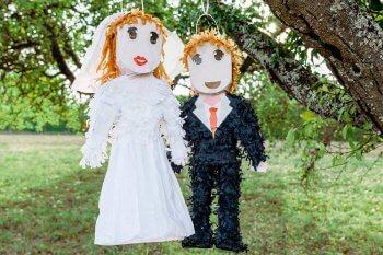 Goldenes Liebes Herz Pinata Fur Hochzeit Verpflichtung