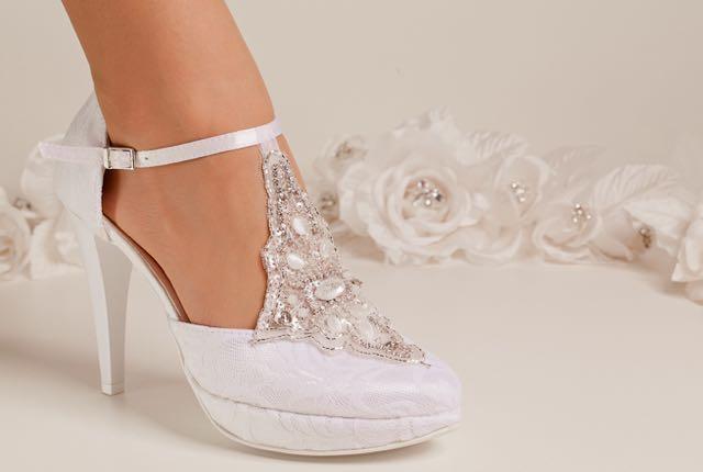Alter Hochzeitsbrauch: der Brautschuh…