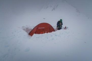 Zelt ausbuddeln
