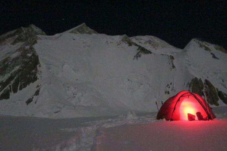 GII und Lager1 bei Nacht