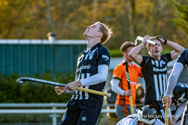 10-11-2019: Hockey: Mannen HDM v Were Di: Den Haag Hockey Hoofdklasse heren 2019 Lennart Kallenberg bij een gemiste kans