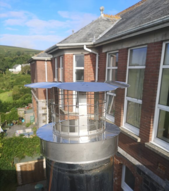 A Brewer twinwall stainless steel birdguard installed by Hodgsons Chimney Sweeps in moorhaven, ivybridge, devon