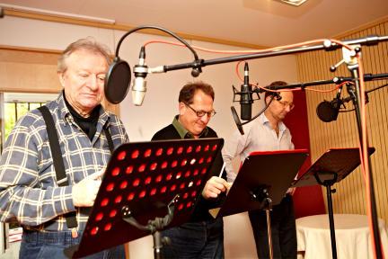 v.l.n.r. Dr. Watson (Gerhard Garbers), Dr. Mortimer (Thomas Kügel) und Sir Henry (Peter Jordan); Bild: WDR/Monika Nonnenmacher