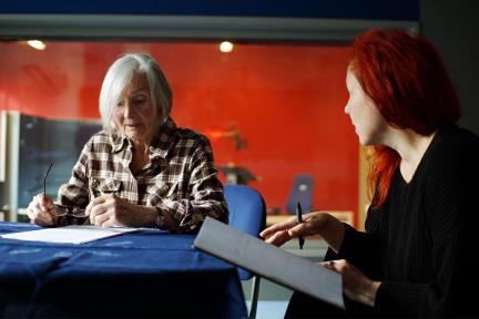 Katharina Matz und Regisseurin Christiane Ohaus; Bild: Radio Bremen/Dennis Williamson