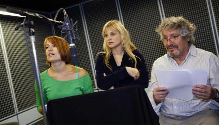v.l.n.r. Katja (Ilona Otto), Linda Erikson (Lisa Werlinder) und Prof. Carl Anders Erikson (Volker Brandt): Bild: WDR / Sibylle Anneck