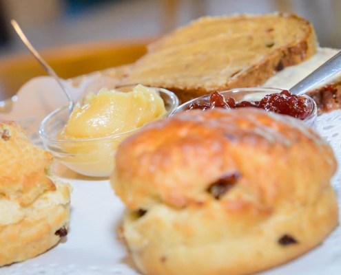 de-hoestinkhof-engels-theehuis-high-tea-scones-jam-markelo-MVDK_20150630_0086