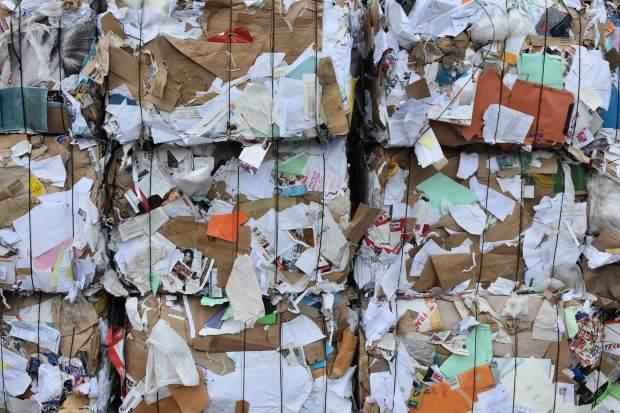 oud papier wordt apart ingezameld in Zweden