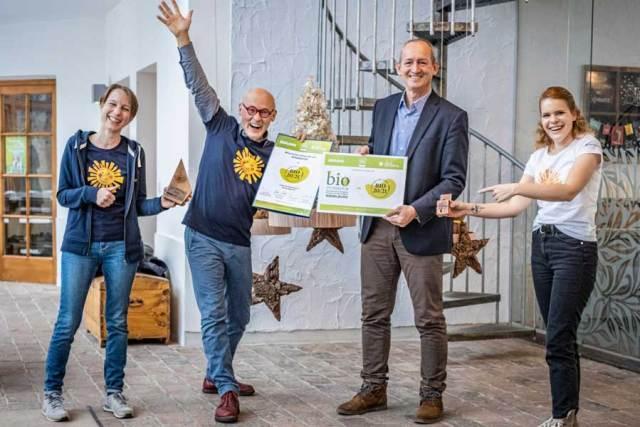 v.l.n.r. Daniela Fichtinger (Sonnentor), Johannes Gutmann (Sonnentor), Werner Roher (Geschäftsführer Messe Wieselburg GmbH), Kristina Hummel (Sonnentor)