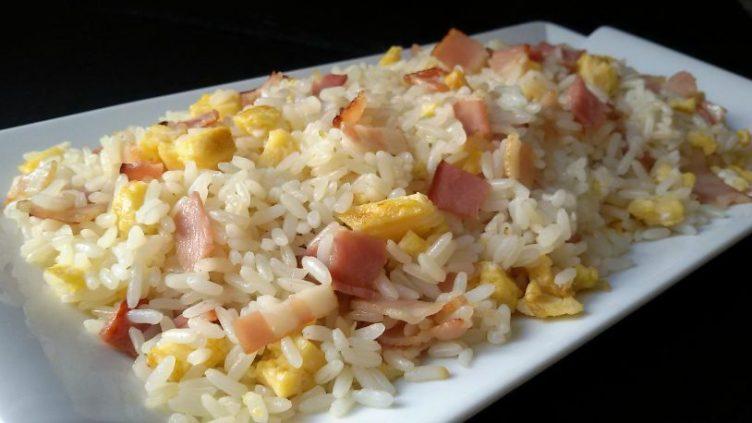 arroz-frito-con-bacon-y-tortilla-71-815x458