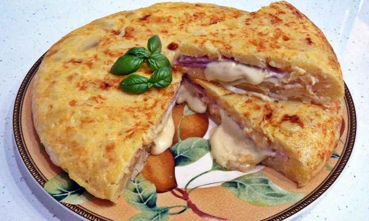 grnde-tortilla-de-patatas-rellena
