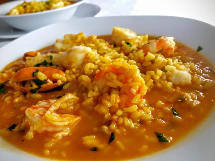 arroz-meloso-con-merluza-y-langostinos