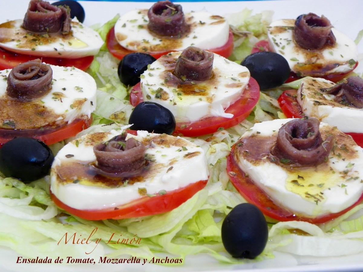 Ensalada De Tomate Mozzarella Y Anchoas Hogar Cocina Facil