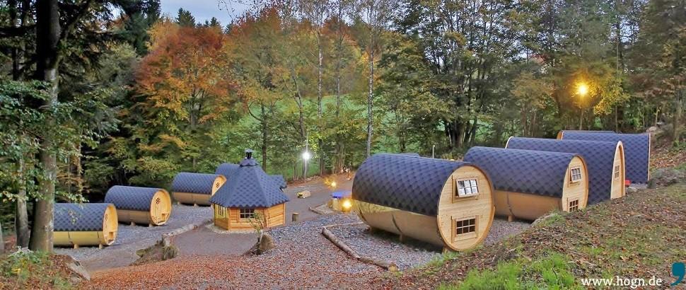 Schlaffassdorf im Bayerischen Wald