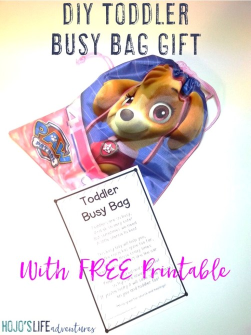 Buying gifts for toddlers can be a challenge, but not with this DIY toddler busy bag gift! Parents will love you, the child will love you, and even the other adults around the child when they use this bag will love you! It's great for church, meetings, car rides or trips, and more! Plus you get a FREE printable download at the blog post. Click through now to see how to make your own busy bag and grab your freebie.