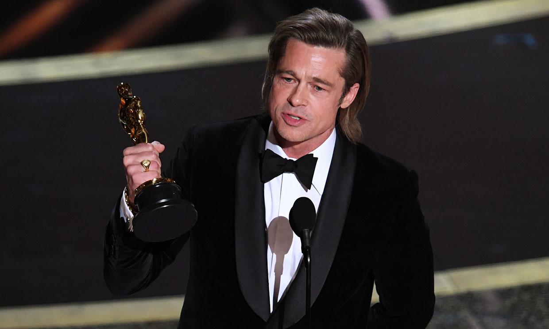 Brad Pitt recibe el Oscar por actor de reparto / Foto: Archivo