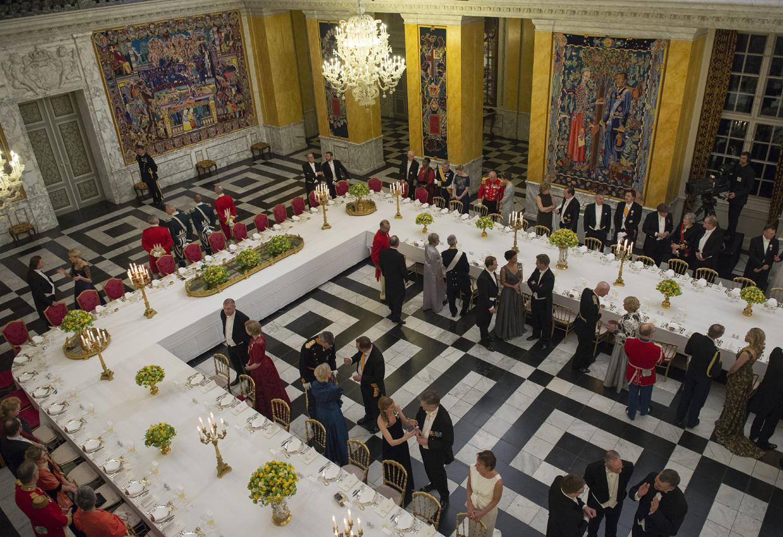 Resultado de imagen para invitados a la gala en el palacio