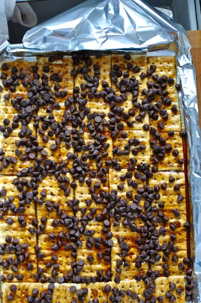 Almond Chile Christmas Crack Recipe