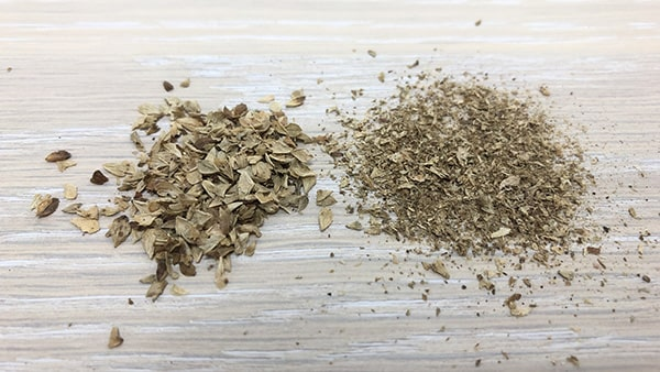Holar - Blog - 13 Common Spices You Can (Cannot) Grind in Your Salt and Pepper Grinder - Oregano