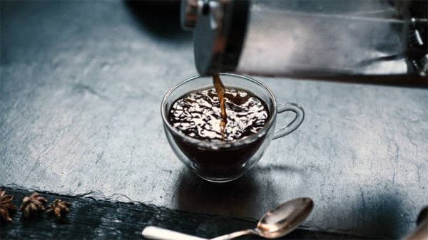 Holar - Blog - Top 10 Manual Coffee Makers for Every Type of Coffee Enthusiast - A French Press