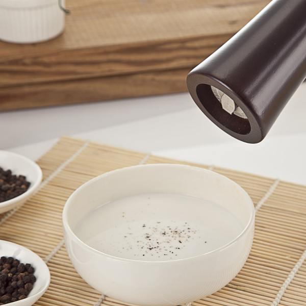 Holar wood pepper grinder with adjustable nut_ARS