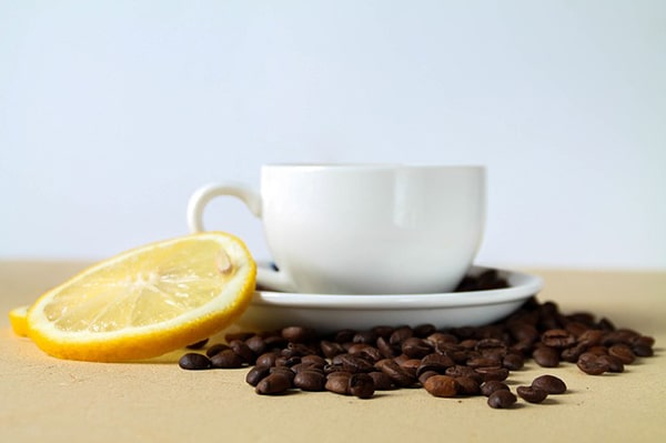 Top 12 ingredients to add to coffee-lemon