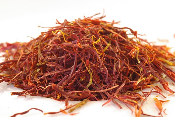 Top 12 ingredients to add to coffee-saffron