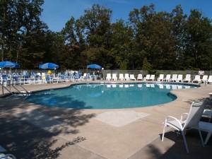 holiday-shores-pool