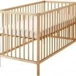wooden-cot