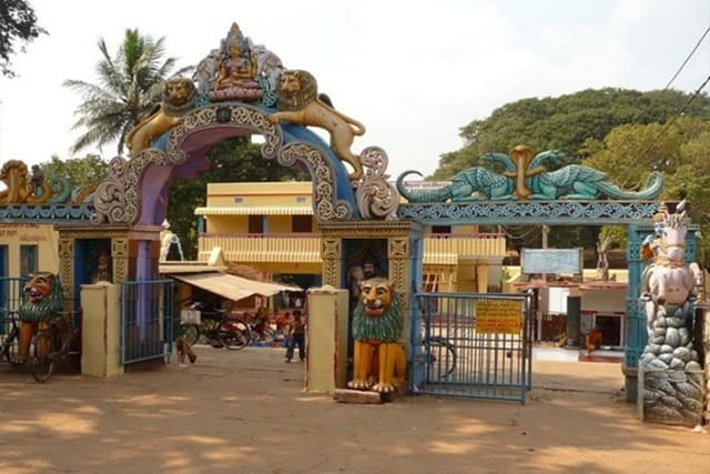 Places To Visit In Jagannath Puri Char Dham India: Loknath Temple