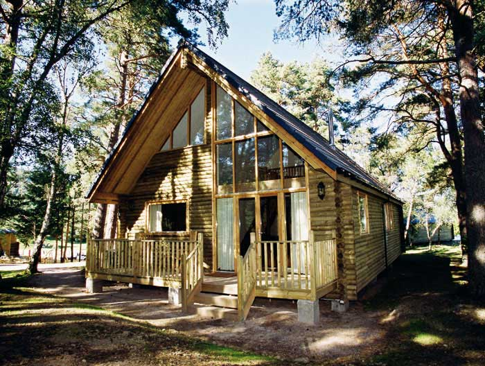 best cabins in Scotland - Macdonald Aviemore woodland lodge