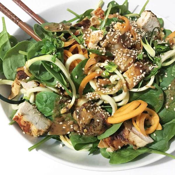 Asia Zoodle Salat
