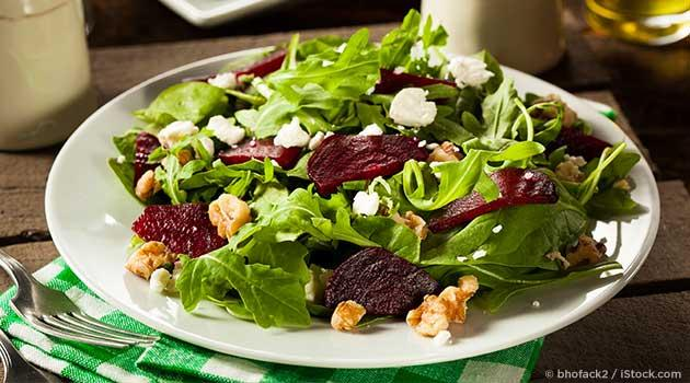 Beet salad with walnuts and goat cheese recipe