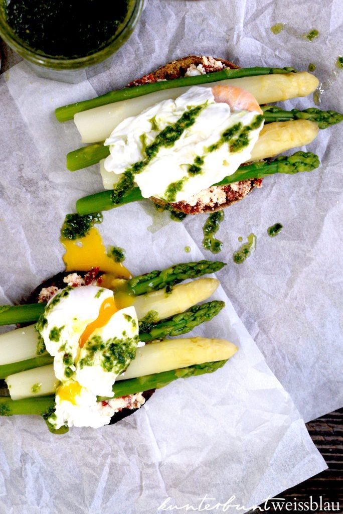 Eggs Benedikt mit Spargel Zubereitung