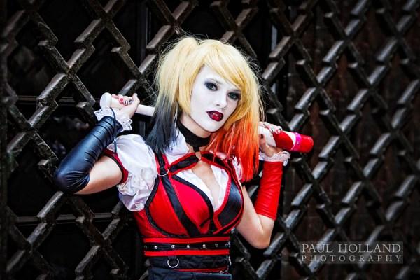 Harley Quinn image displayed on the comic art window trail