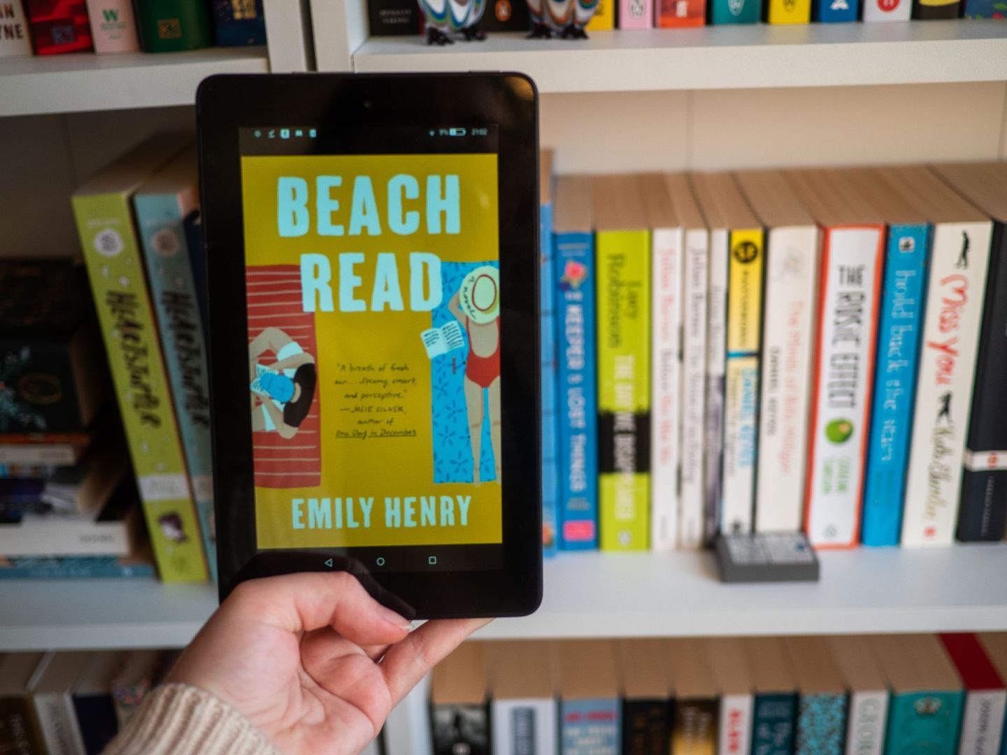 Beach Read by Emily Henry | Book Review