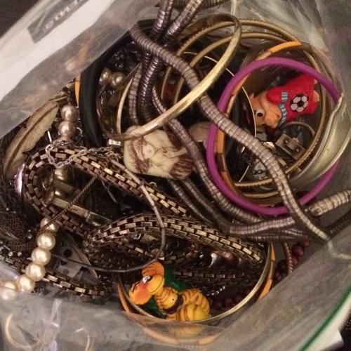 jewelry tangle
