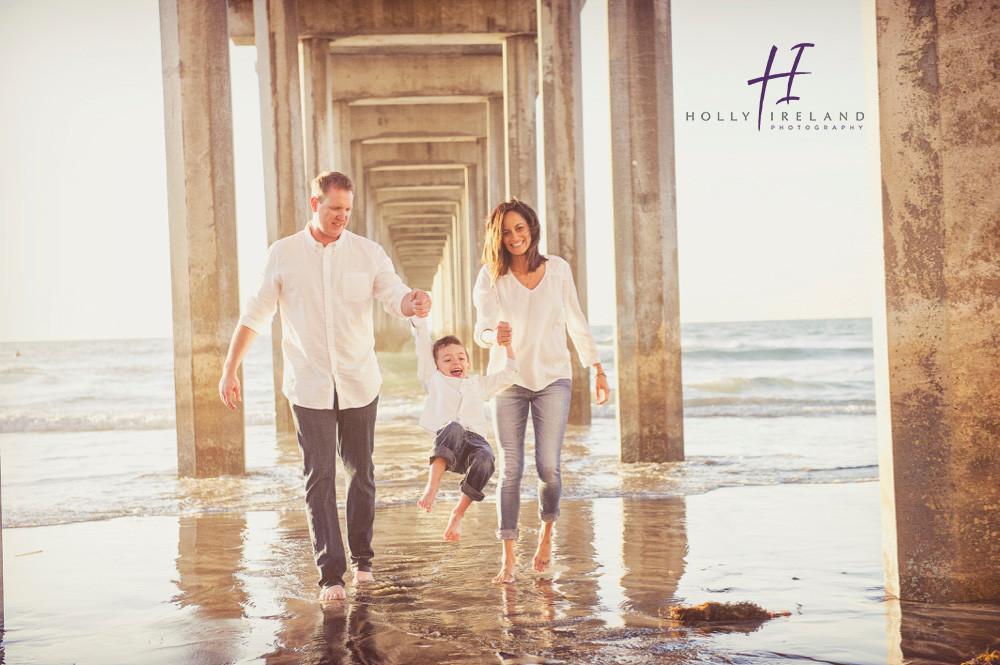 La Jolla Scripps Pier Family Photo Shoot