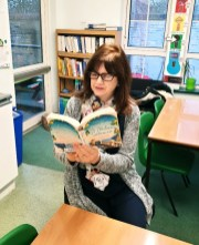 Teachers reading (5)