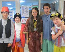 Aladdin Cast A (10)