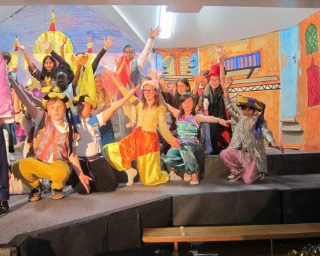 Aladdin Cast A (2)