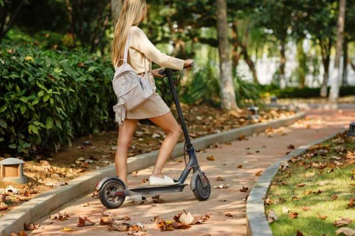 Hollywood to ban 'dockless' electric scooters