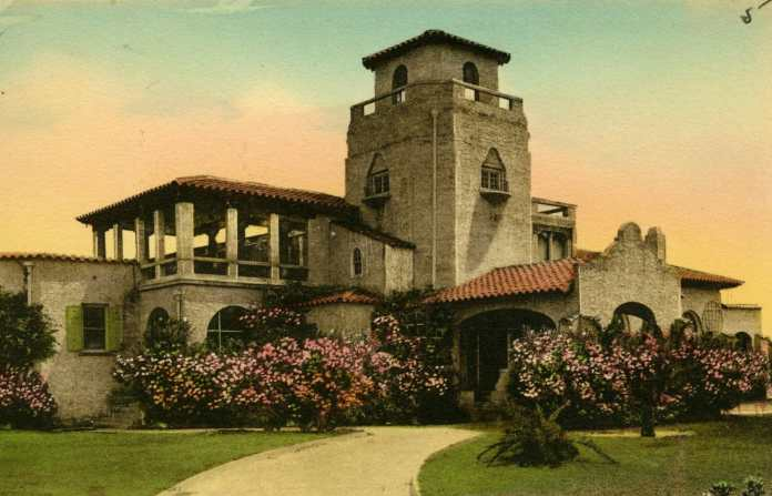 The Hollywood Beach County Club Clubhouse
