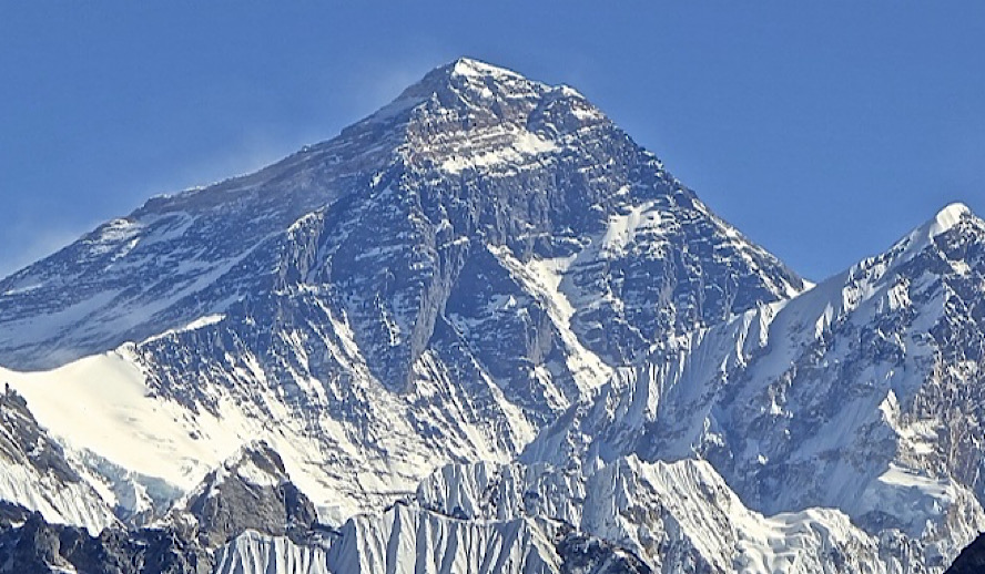 Hollywood Insider Mount Everest Peak is in Nepal, Petition Apple & Google to fix it